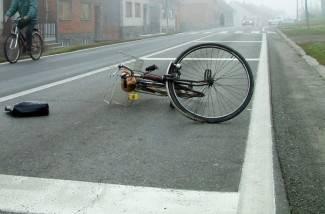 Automobilom udario biciklista pa pobjegao, policija ga pronašla
