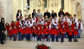 Mališani pjevali prigodne pjesme, zapjevali i odgajatelji