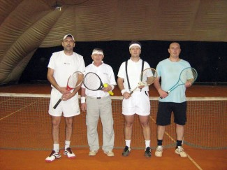 Traka na glavi i drveni reket: Požeški tenisači se vratili u 70-e