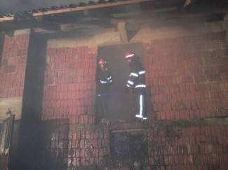 Pekao rakiju, kazan se zapalio, vatra zahvatila štagalj