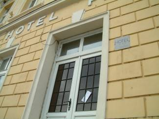 Hotel Pakrac: Stigla pošta, a gazde nema
