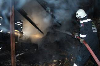 Izgorjela šupa: Vatrogasci spriječili širenje na druge objekte (foto)
