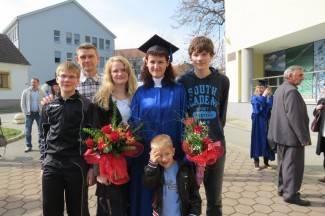 Sve se može kad se hoće: Završila studij uz posao i četvero djece