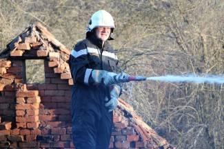 Muškarac (79) palio sijeno, vjetar prenio vatru na štagalj; izgorio krov