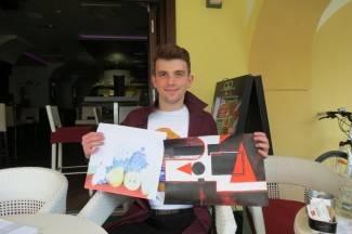 Mladi strojobravar voli slikarstvo, oduševljava svojim radovima
