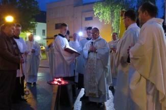 Uskrs u požeškoj katedrali: Vazmeno bdjenje i sveta misa