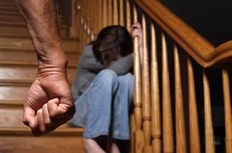 Od 296 žrtava nasilja u obitelji, 161 je ženskog spola. Počiniteljima prijeti i kazna zatvora do 3 godine