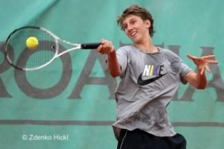 Najbolji teniski juniori i juniorke u Požegi