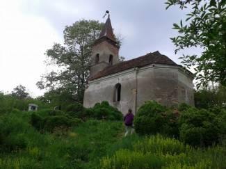 Vaše fotografije: Zapuštena crkva u Tulniku vapi za obnovom