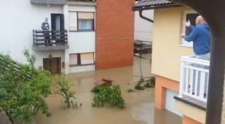 Operacija Pogača: Ovako su se Bosanci snalazili tijekom poplave (video)