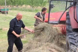 Bresničani pomažu poplavljenom Pleterničaninu