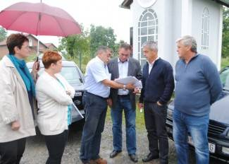 Asfaltira se cesta u G. Obriježi i gradi most kod Ploština
