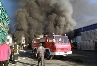 Spašavanje Studenca: Vatrogasci i radnici protiv vatre i dima