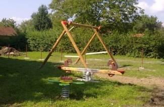Mali Badljevčani dobili igralište, slijedi postavljanje ograde (foto)