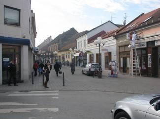 Postavljaju se barijere na ulazu i izlazu šetališne zone u Požegi i Trgu sv. Terezije