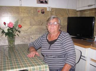 Jedna masirala,  druga ¨operirala¨: Starici (78) ukrale novac