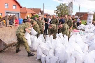 Vojska u Pleternici; Jozić traži hitan sastanak u Hrv. vodama
