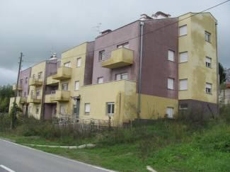 Nova zgrada zbog nebrige države zjapi prazna i zapuštena