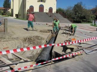 Krenuli radovi na odvodnji u Crkvenoj, uskoro će i u Slavonskoj ulici