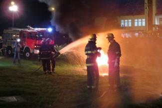 Vatrogasci gasili požar na staroj kući i spašavali unesrećene (foto)