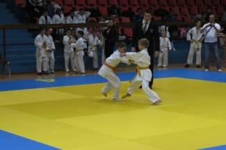 U Vinkovcima osvojili 6, a u Makarskoj dvije medalje