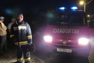 Izgorjela garaža s 2 automobila: ¨Dobro da nitko nije stradao¨ (foto)
