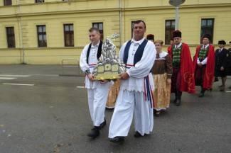 Procesija i misa: Požeški vjernici proslavili blagdan sv. Terezije