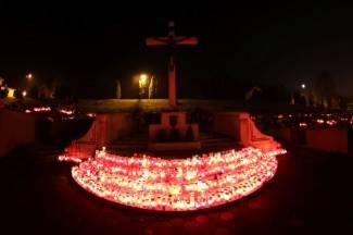 Svi sveti: Veličanstven noćni prizor na groblju sv. Ilije