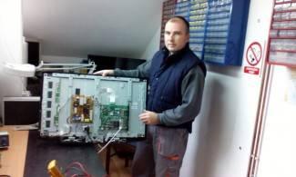 Elektro dom: Marko popravlja i servisira sve uređaje u kućanstvu