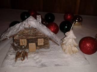 Budite kreativni: Od kartona i cjepanica napravite kućicu u snijegu