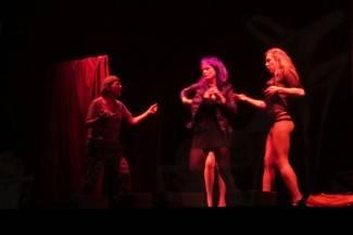 FOTO, VIDEO Požežani oduševljeni: Nisu dali glumicama da napuste pozornicu