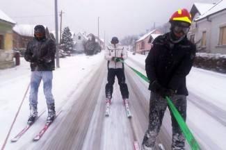 VIDEO Oprez! Ludi Kaptolčani na skijama ¨praše¨ skroz do Jankovca