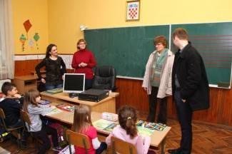 Grad Pleternica donirao računala područnim školama u Gradcu i Kuzmici