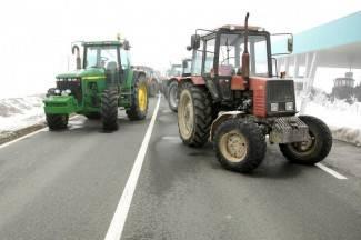 Mljekari, krediti i traktorske prikolice