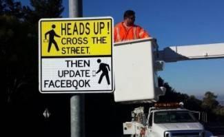 Šašavi prometni znakovi: Otkad su postavljeni, više nema prometnih nesreća!