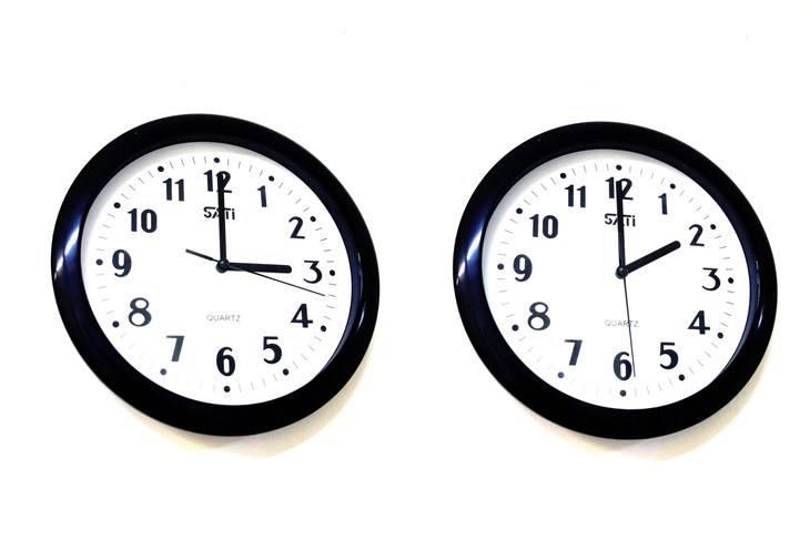Prelazimo na zimsko računanje vremena, kazaljke sata vraćamo unatrag 60 minuta