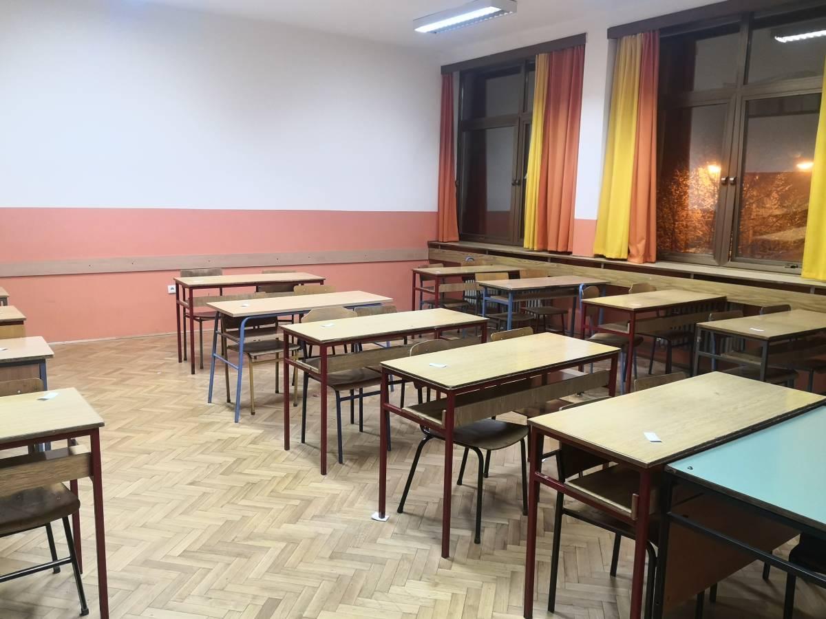Paradoks u Slavonskom Brodu: Učenici jedne srednje škole idu na online nastavu, ali ne zbog koronavirusa