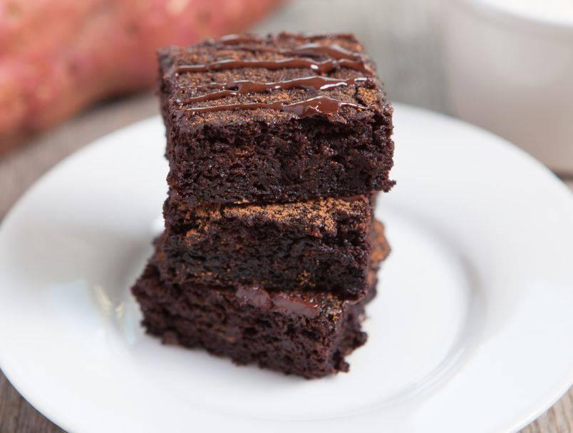 Samo 3 sastojka: Recept za prefine browniese bez grama brašna i ulja