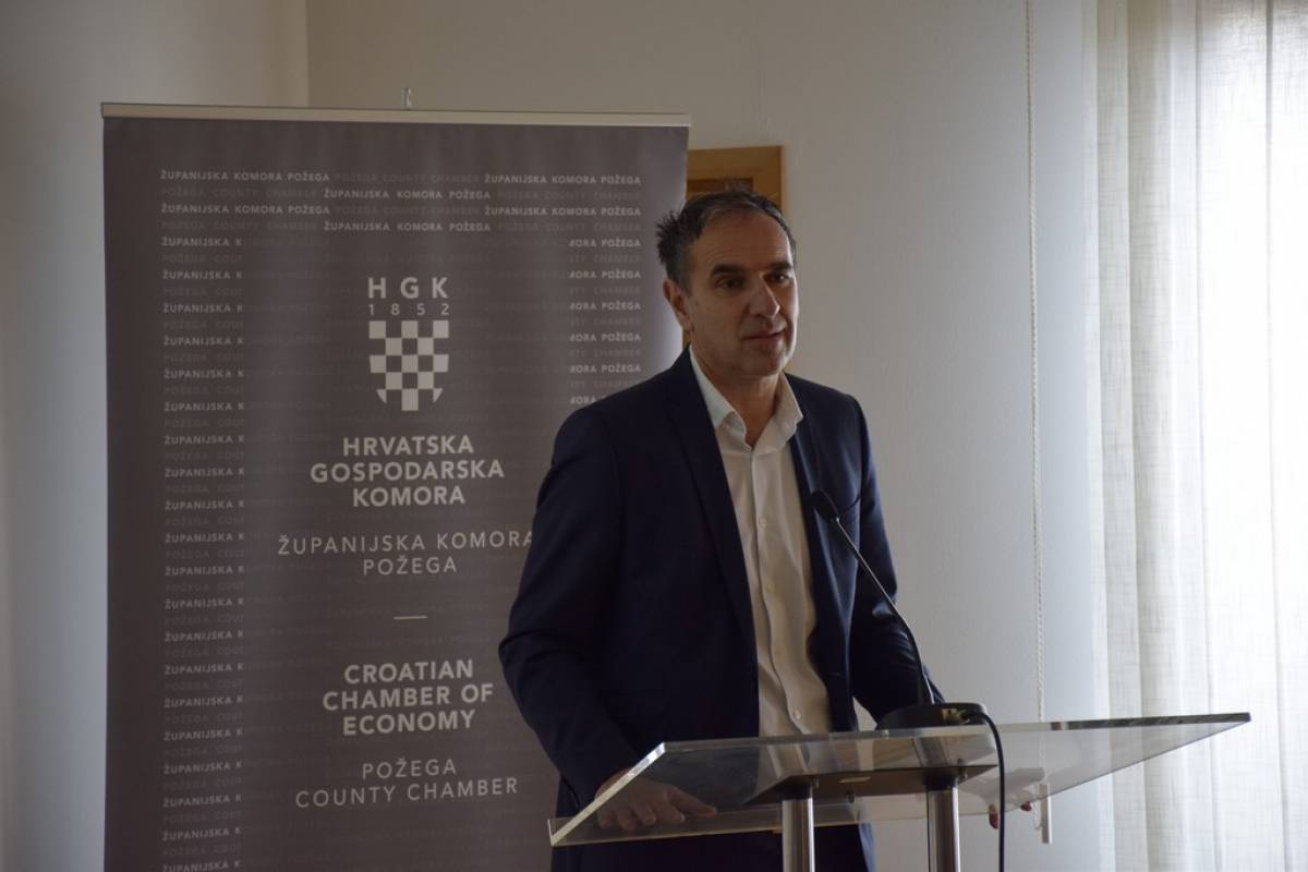 Predavanje dr.sc. Gorana Krizmanića ʺPogled iz druge perspektiveʺ