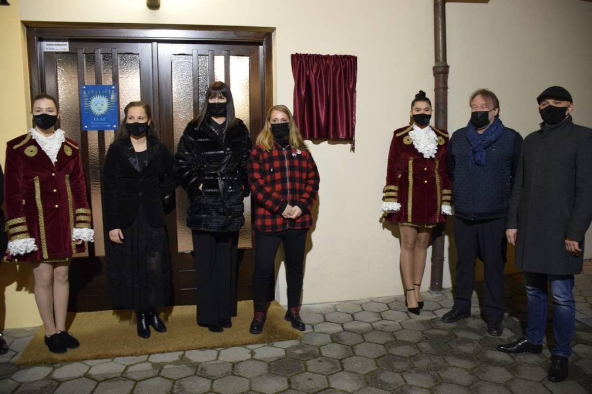 Požeška Noć kazališta u znaku obnovljene suradnje između osječke Akademije i požeškog kazališta
