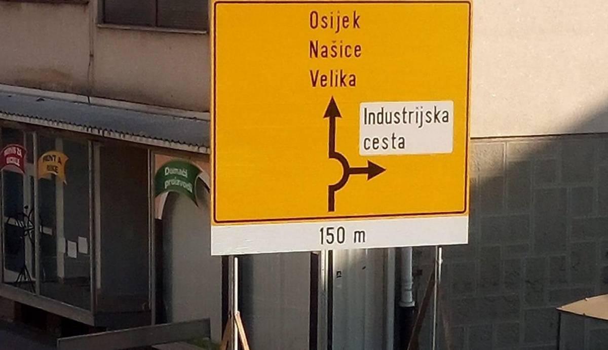 Građani zabrinuti za funkcionalnost i točnost novog prometnog znaka u Radićevoj ulici