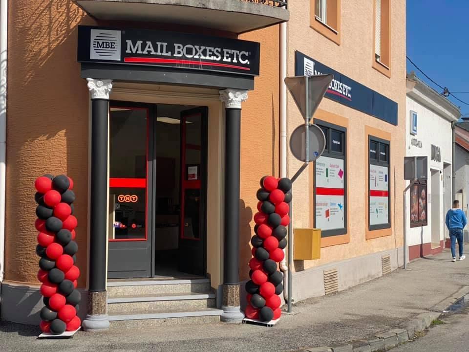 Mail Boxes Etc. s više od 2600 poslovnica u cijelome svijetu stigao je i u Požegu, a svojim klijentima nudi usluge prikupa, pakiranja i slanja paketa!