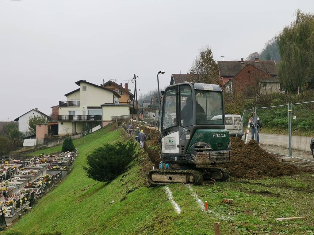Radovi na Groblju sv. Ilije: Postavlja se ograda na južnoj strani groblja