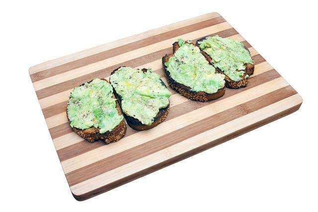 Zelena pašteta kao idealan namaz za prepečeni kruh!