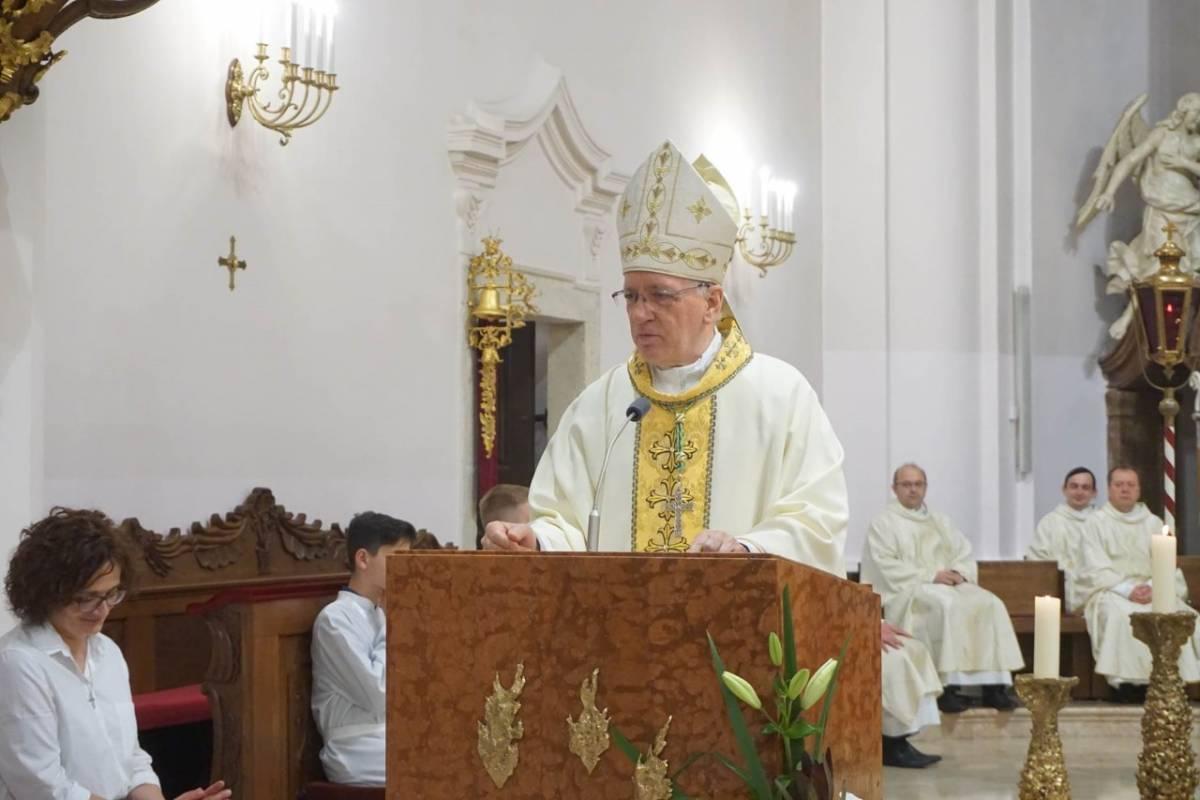 Biskup Škvorčević pozvao svećenike na molitvu za subraću pogođenu zarazom koronavirusa