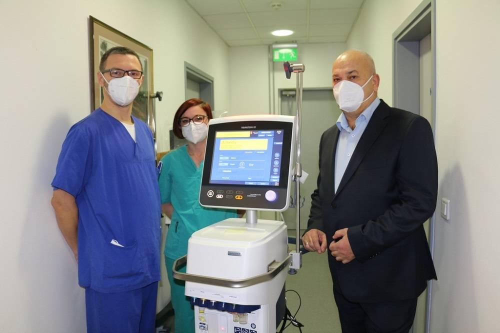 Nakon što je i sam prebolio koronavirus, gradonačelnik donirao bolnicu