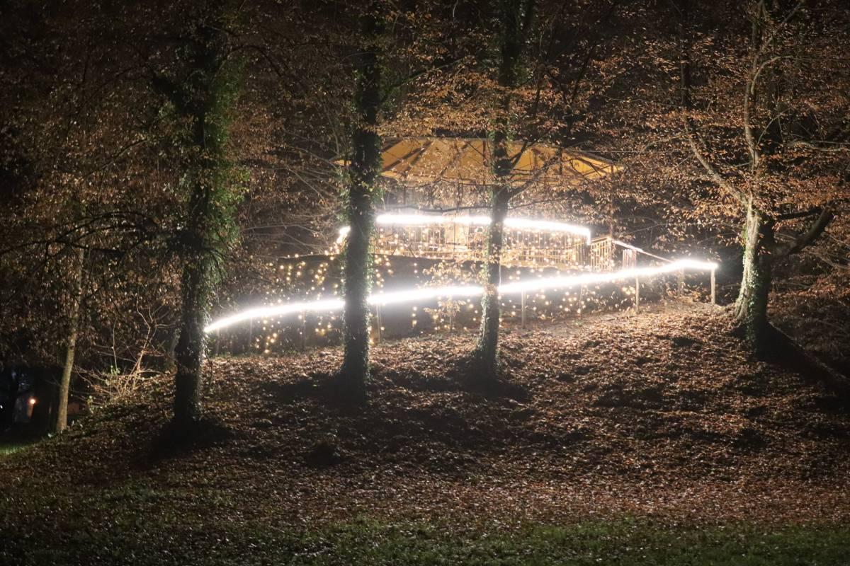 Prava adventska bajka u Lipiku se najbolje može vidjeti po noći uz prigodnu rasvjetu