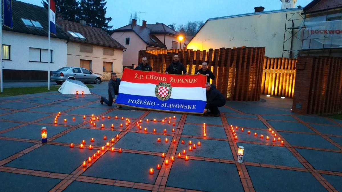 Povodom 29. obljetnice pokolja u Voćinu na Trgu 123. brigade zapaljeno 47 lampiona