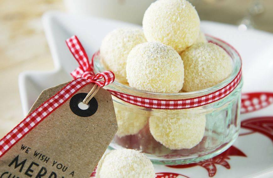 Recept za omiljene kuglice od kokosa bez mlijeka u prahu