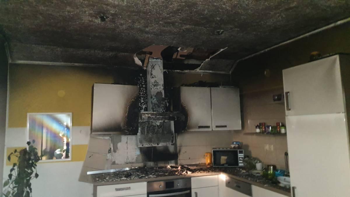 Sinoć je u Požegi gorjela obiteljska kuća. Šteta je velika, srećom, nema ozlijeđenih.